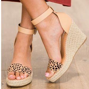 Cheetah print espadrille wedge sandal HP IN SHOE